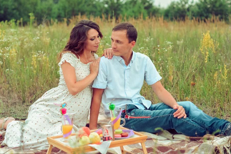 фотосессия беременных летом на природе
