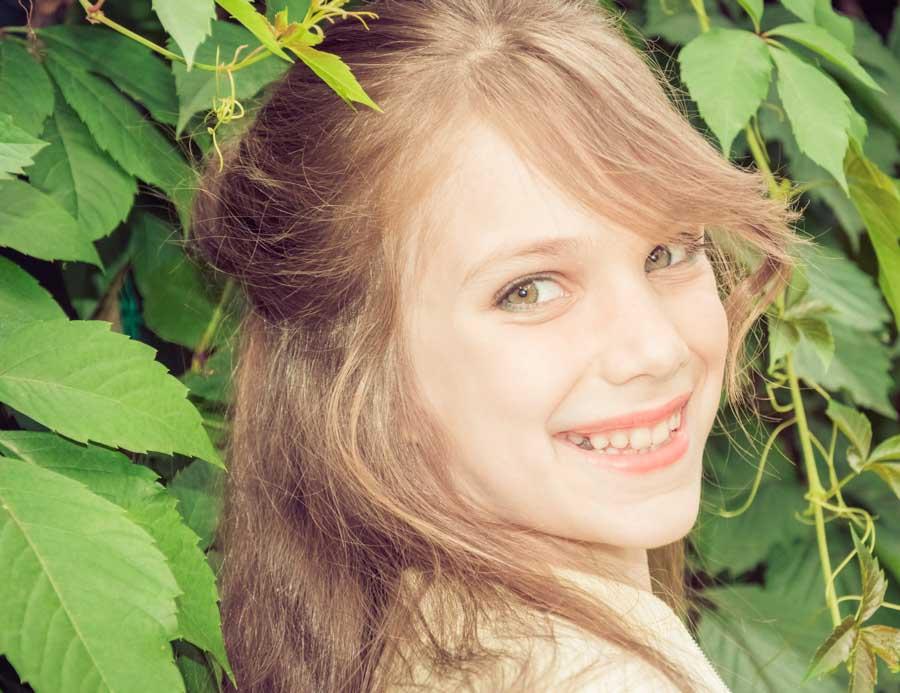 детская фотосессия в лесу осенью