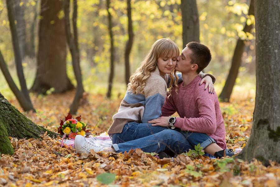 Фотосессия любовной истории в Бучанском парке