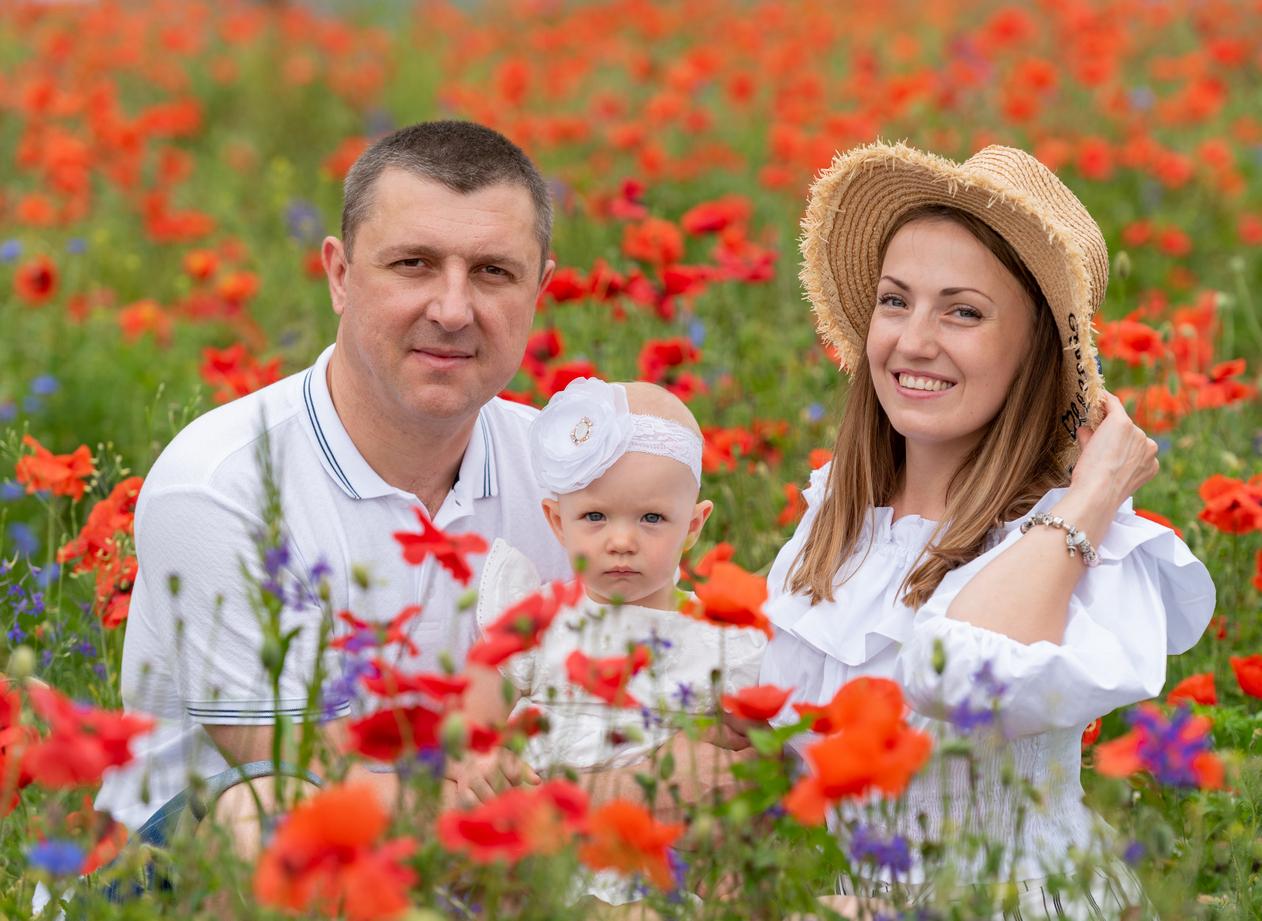 Семейная фотосъемка в маках